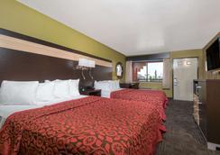 Days Inn by Wyndham Carlsbad - Carlsbad - Makuuhuone