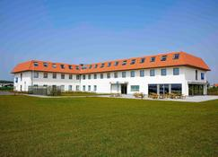ibis budget Oostende Airport - Middelkerke - Building