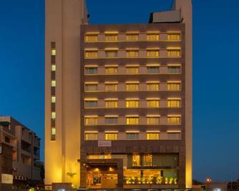 瓦都達拉皇家蘭花中央酒店 - 瓦多達拉 - 巴羅達 - 建築