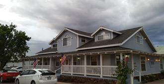 Canyon Country Inn - וויליאמס - בניין