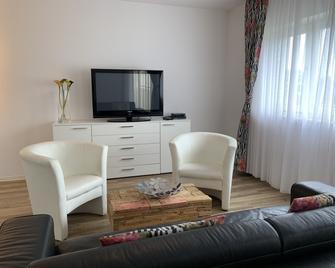 Airport Apartment Köln/Bonn - Troisdorf - Living room