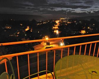 Hillside Inn - Madison - Balkon
