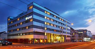 إتش+ هوتل زيوريخ - زيورخ - مبنى