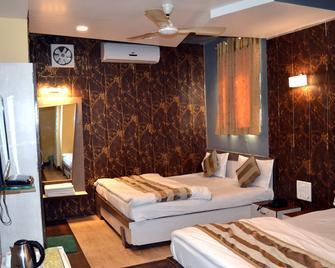 Hotel Swagat - Mount Abu - Bedroom
