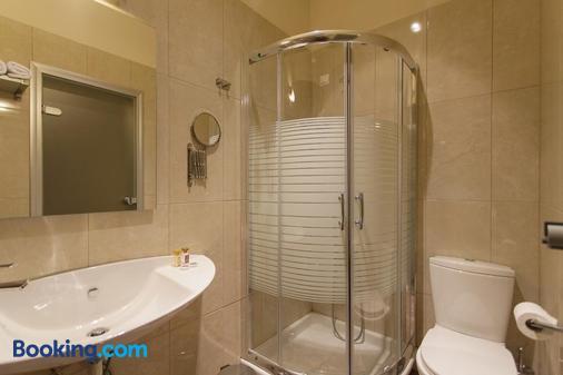 Hotel Aheron - Ammoudia - Bathroom