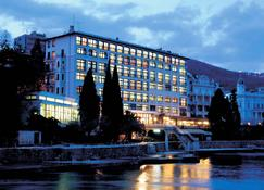 Remisens Hotel Kristal - Opatija - Building