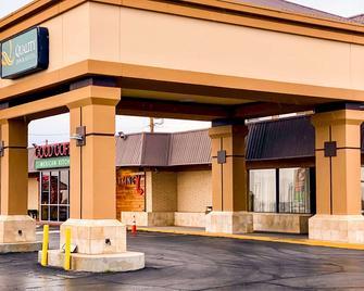 Quality Inn & Suites Airport - El Paso - Gebouw