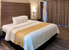 Quality Inn And Suites - El Paso - Bedroom