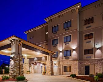 Best Western Plus Classic Inn & Suites - Center - Budova