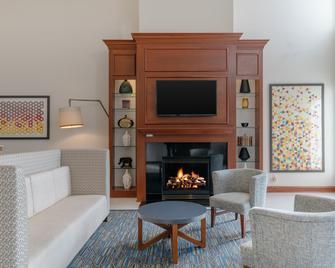 Holiday Inn Express Prince Frederick - Prince Frederick - Obývací pokoj