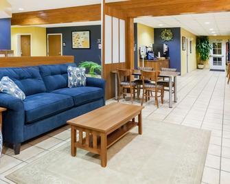 Microtel Inn & Suites by Wyndham Dickson City/Scranton - Dickson City - Lobby