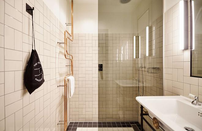 The Hoxton, Amsterdam - Amsterdam - Phòng tắm