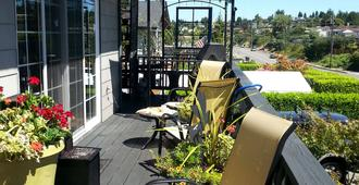 Secret Garden Bed And Breakfast - Tacoma - Patio