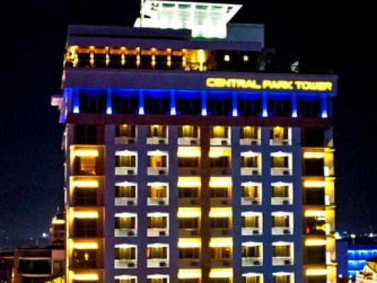 Central Park Tower Resort - Angeles City - Building