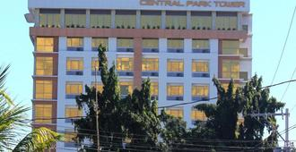 Central Park Tower Resort - Angeles City - Edificio