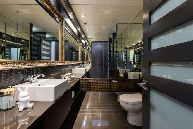QT Wellington - Wellington - Bathroom