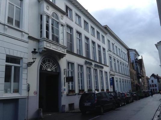 Patritius - Brujas - Edificio