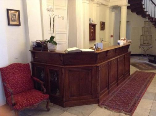 Patritius - Bruges - Front desk