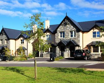 O'Donnabhains Kenmare Townhouse - Kenmare - Building