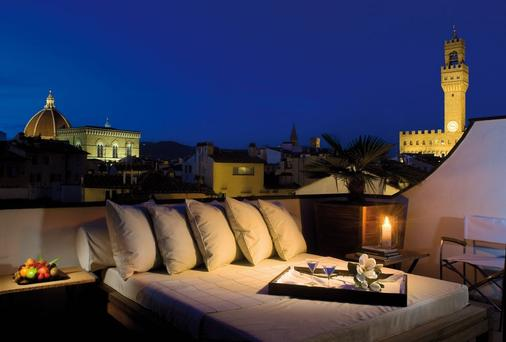 Gallery Hotel Art - Lungarno Collection - Florence - Balcony