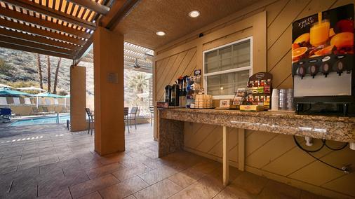 Best Western Inn at Palm Springs - Palm Springs - Buffet