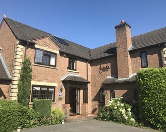 Ayuda House - Altrincham