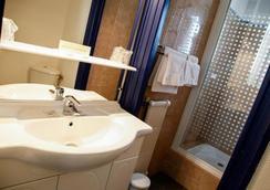 Rex Hotel - Lorient - Bathroom