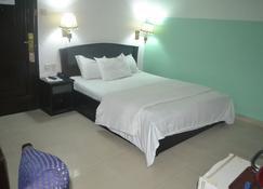 Parklane Hotels Limited - Lagos - Bedroom