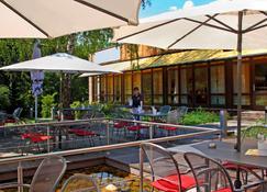 H+ Hotel Bochum - Bochum - Patio