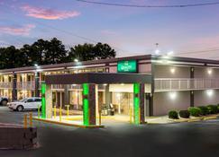 Quality Inn Concord Kannapolis - Concord - Building