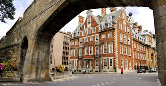 The Grand, York - York - Edificio