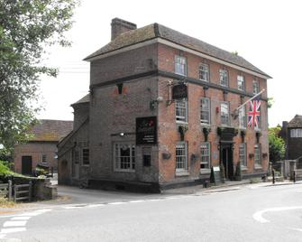 Chequers Inn by Greene King Inns - Uckfield - Gebouw