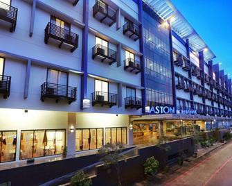 Aston Palembang Hotel & Conference Center - Palembang - Edificio