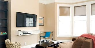 Remodeled Beauty Spacious One Bedroom in Haight Ashbury - San Francisco - Sala de estar
