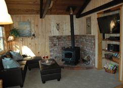 Maison de Montagne; get away from it all and have it all at the same time! - Packwood - Sala de estar