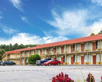 Econo Lodge Petersburg - Fort Lee - Petersburg - Building