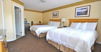 Marine Village Resort - Lake George - Bedroom