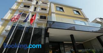 Oxford Hotel - Tirana - Building