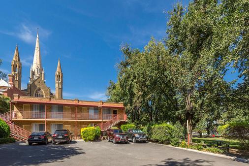 貝斯特韋斯特大教堂汽車旅館 - 班迪哥 - 本迪戈 - 建築
