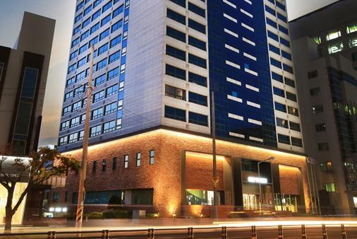 Best Western Jeju Hotel - Jeju City - Κτίριο