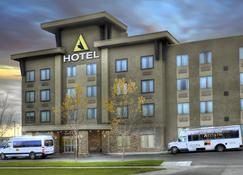Acclaim Hotel Calgary Airport - Calgary - Edificio