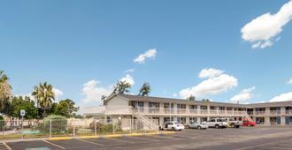 Motel 6 Fort Worth - Seminary - Fort Worth - Edificio