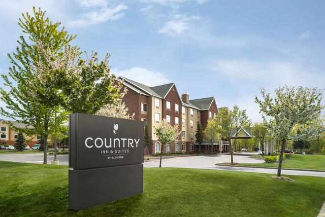 Country Inn & Suites by Radisson, Novi, MI - Novi - Gebäude