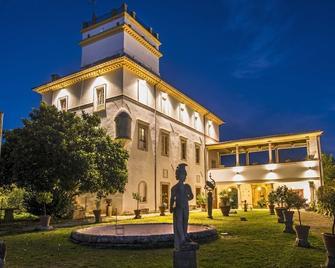 Villa Dell'Annunziata - Rieti - Gebouw