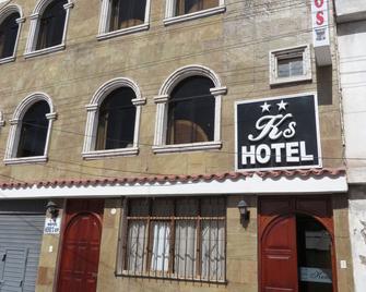 Hotel Keros Vip - Chivay - Gebouw