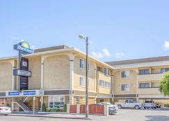 Days Inn by Wyndham Eureka CA - Eureka - Edifício