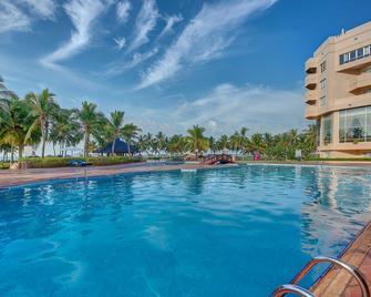 Crowne Plaza Resort Salalah, An IHG Hotel - Salalah - Pool