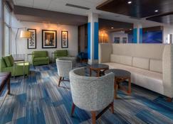 Holiday Inn Express & Suites Tulsa Midtown - Tulsa - Sala de estar