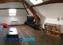Appartement agréable 1 à 4 personnes - Chaumont - Living room