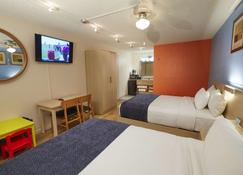 Flamingo Waterpark Resort - Kissimmee - Bedroom